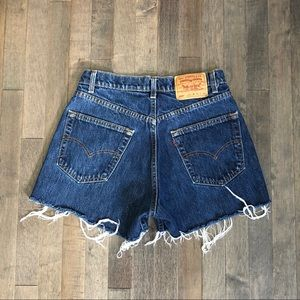 Vintage Levi's 569 cut off jean shorts!!!